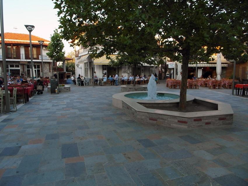 Agios Nikolaos lilla torg